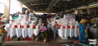 Αγορά ρυζιού στην αγορά Cho Gao στον Μεκόνγκ Δέλτα, Βιετνάμ