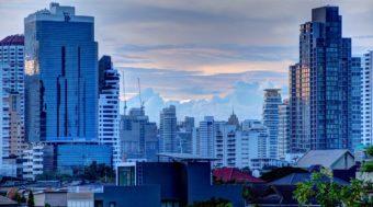 Ουρανοξύστες της Μπανγκόκ στην περιοχή Ασόκ