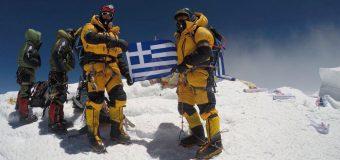 Αντώνη Συκάρης και Mike Ευμορφίδης στην κορυφή του Έβερεστ
