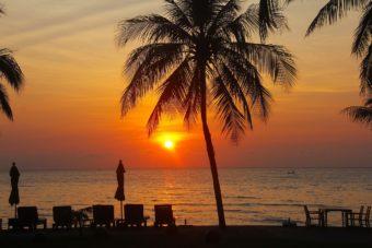 Παραλία Τσαουένγκ την νύχτα στο Κο Σαμούι