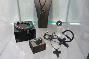 Cristaluna Art In Acrylic Jewelry