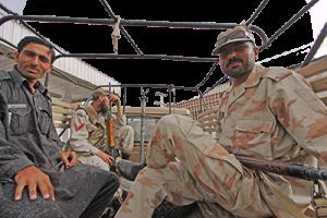 Στρατιώτες έτοιμοι για την επιχείρηση απελευθέρωσης του Γάλλου ομήρου