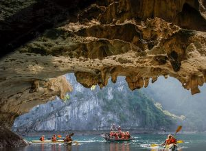 Luon Cave & Kayaking (Hang Luồn Vịnh Hạ Long) in Halong Bay Vietnam