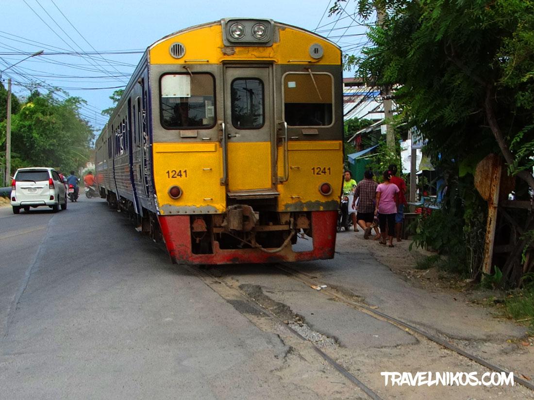 Σιδηροδρομικός σταθμός Mahachai