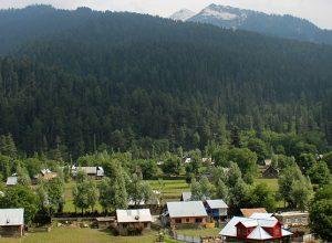 Kashmir Valley, Pir Panjal Range and Himalayas range in India