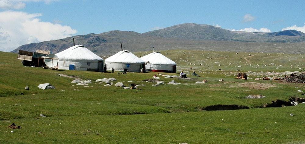 Terkhiin Tsagaan Nuur National Park (Khorgo)